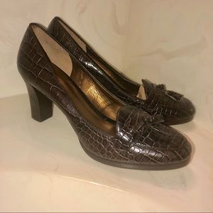 Loft by Ann Taylor, Alligator Print leather pump 9